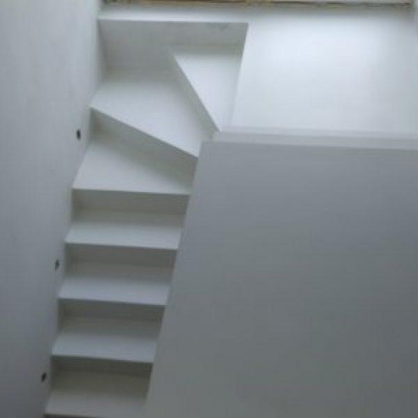 schody biale gladkie2